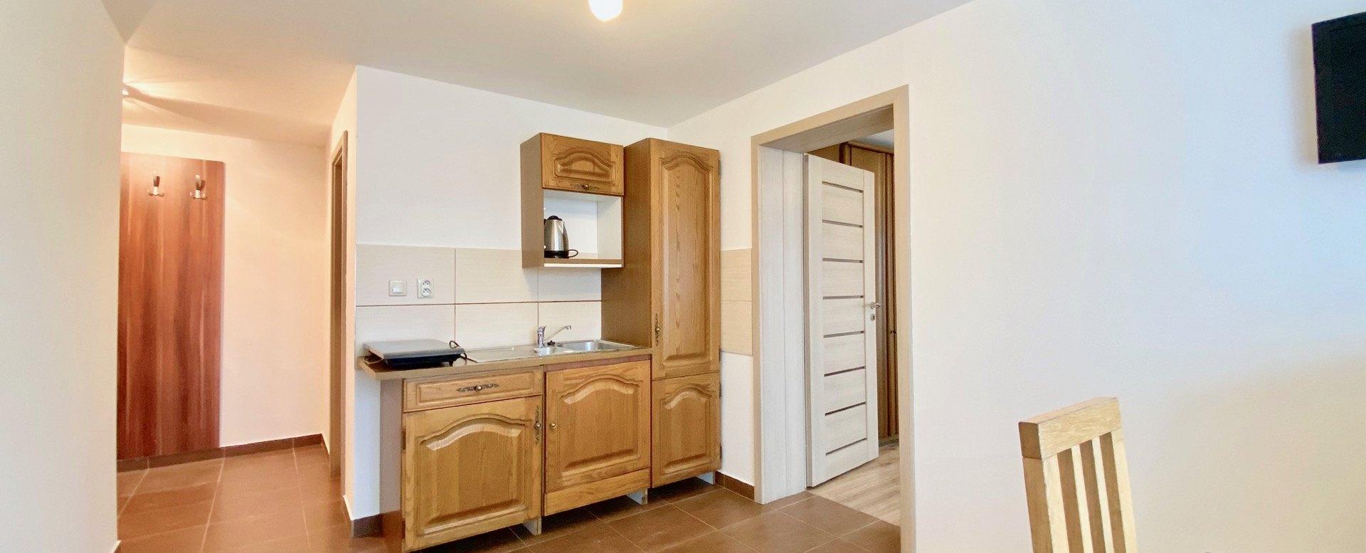 Kuchyňa s jedálneským kútom
