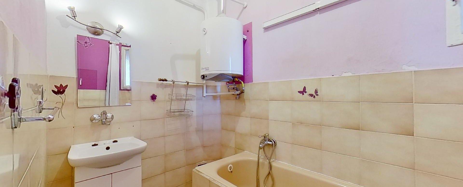 kúpaľňa s vaňou