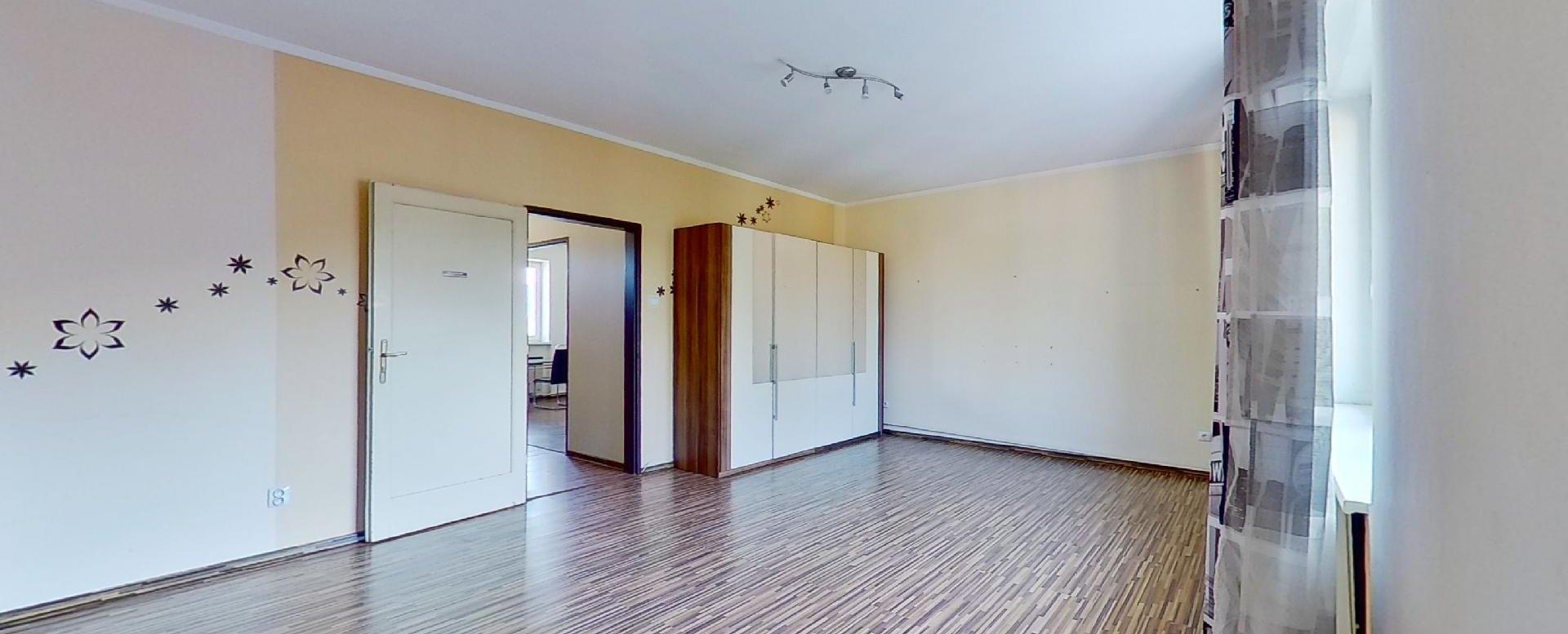 priestranná izba