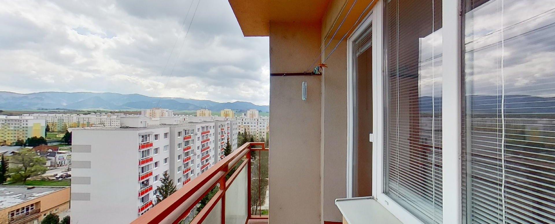 Balkón a vymenené plastové okná na byte