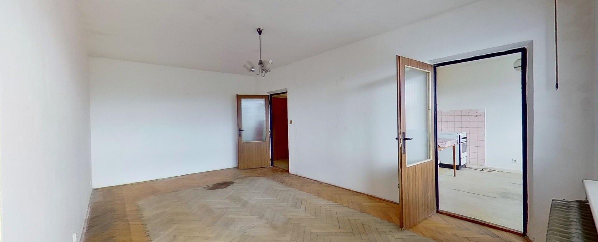 Prirechodná obývacia izba
