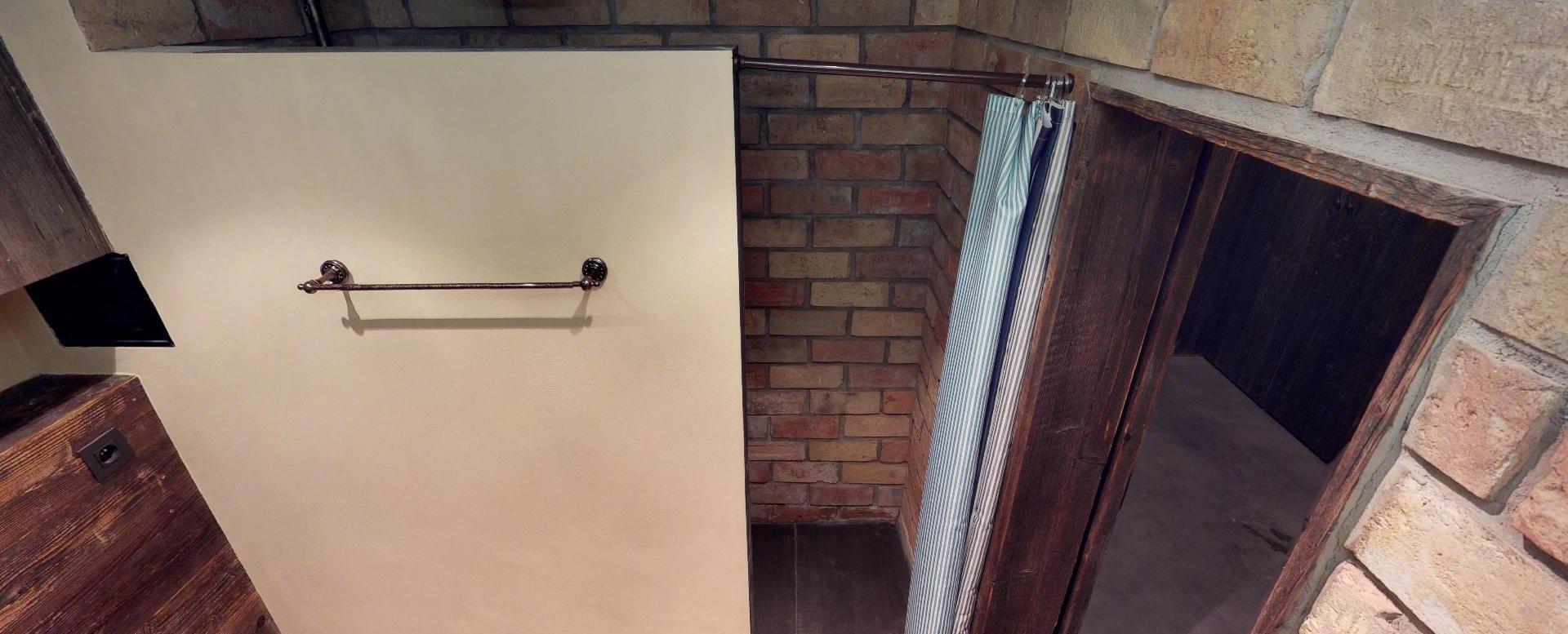 Sprchový kút v byte na Dieňovej ulici