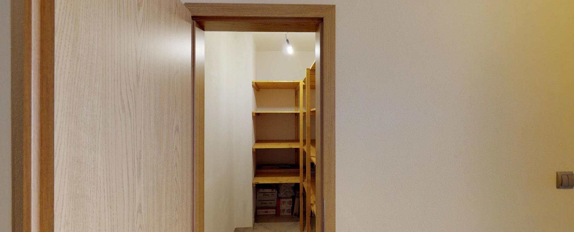Špajza v 2-izbovom byte na Budatínskej uliciv Petržalke