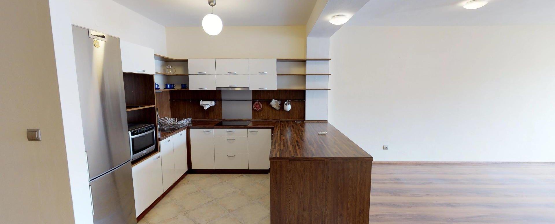 Kuchyňa v 2-izbovom byte na Budatínskej uliciv Petržalke