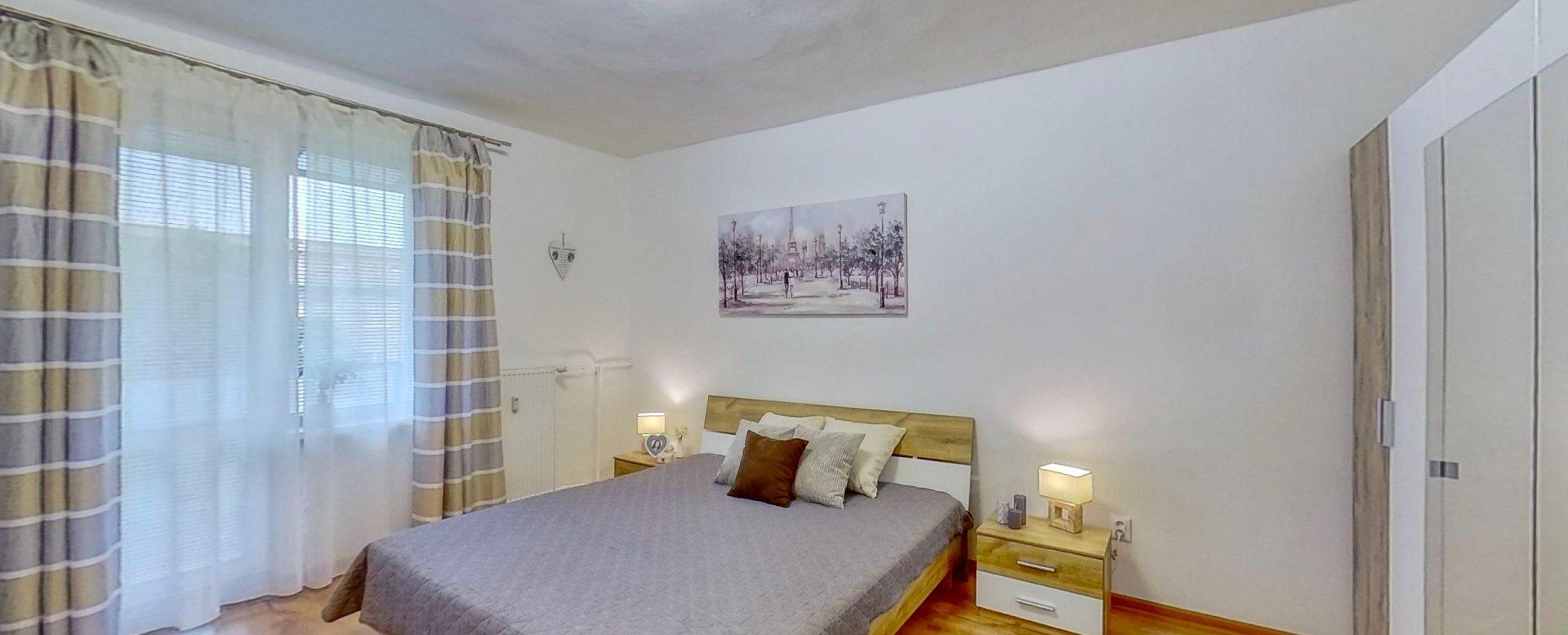 Spálňa s balkónom