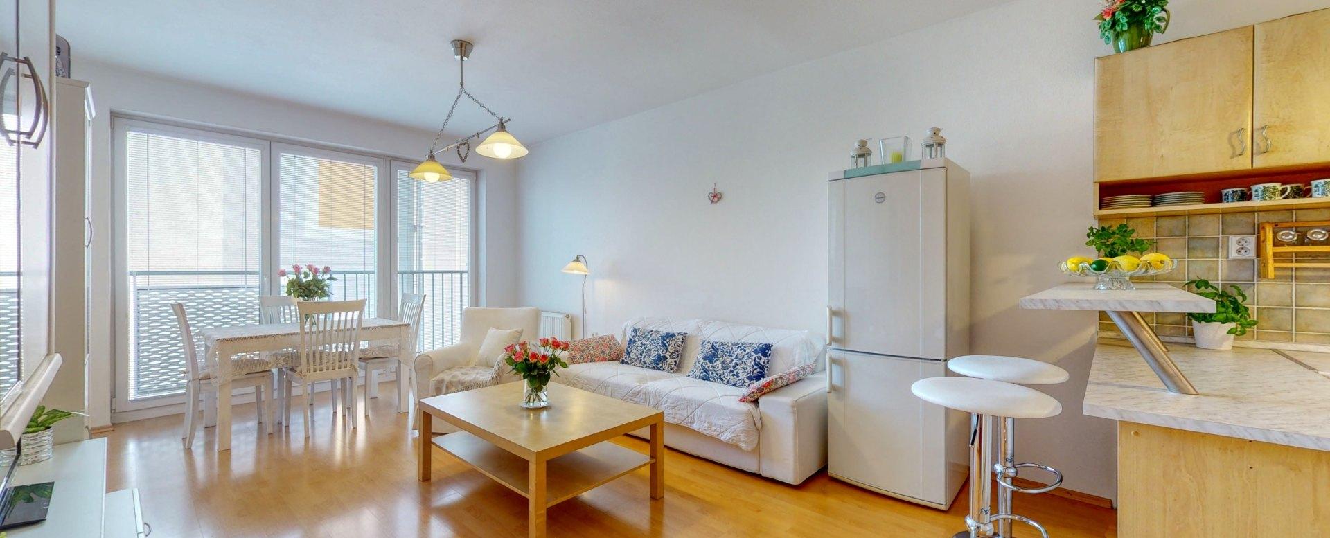 Obývacia izba s francúzskym balkónom
