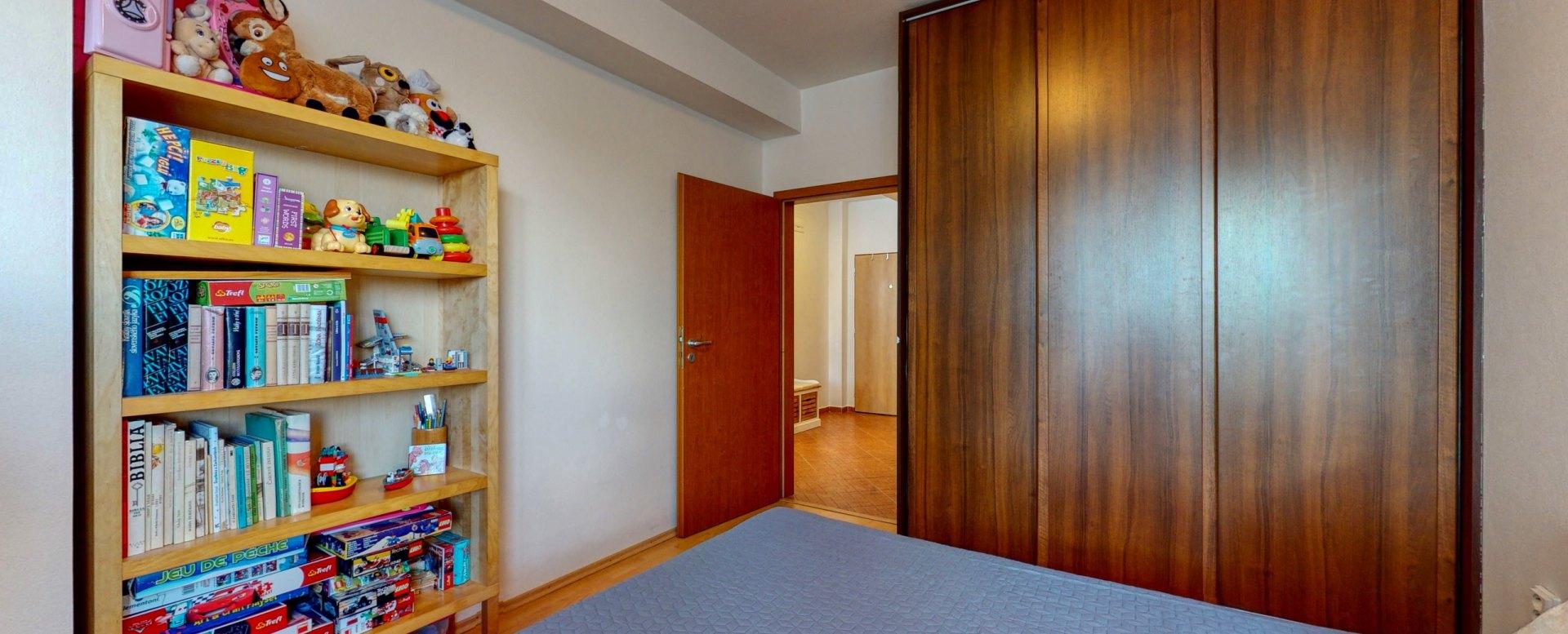 Nábytok a vstavaná skriňa v spálni