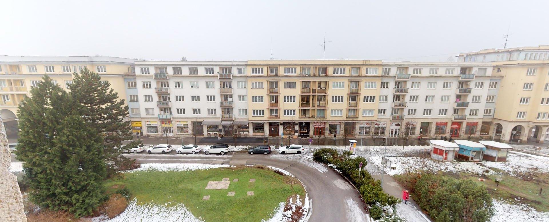 Výhľad z 2-izbového bytu na bulvári v Žiline