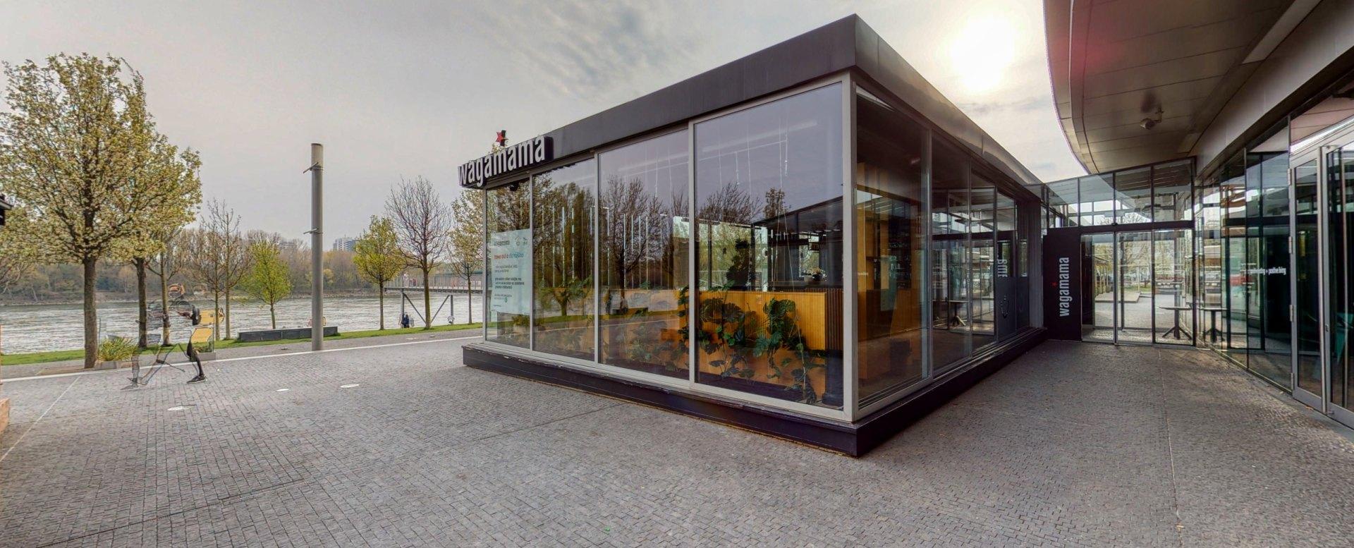 Reštaurácia wagamama v Eurovea a nábrežie Dunaja