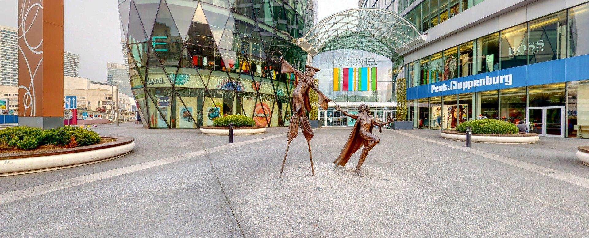 Vstup do nákupného centra Eurovea Galéria v Eurovea City