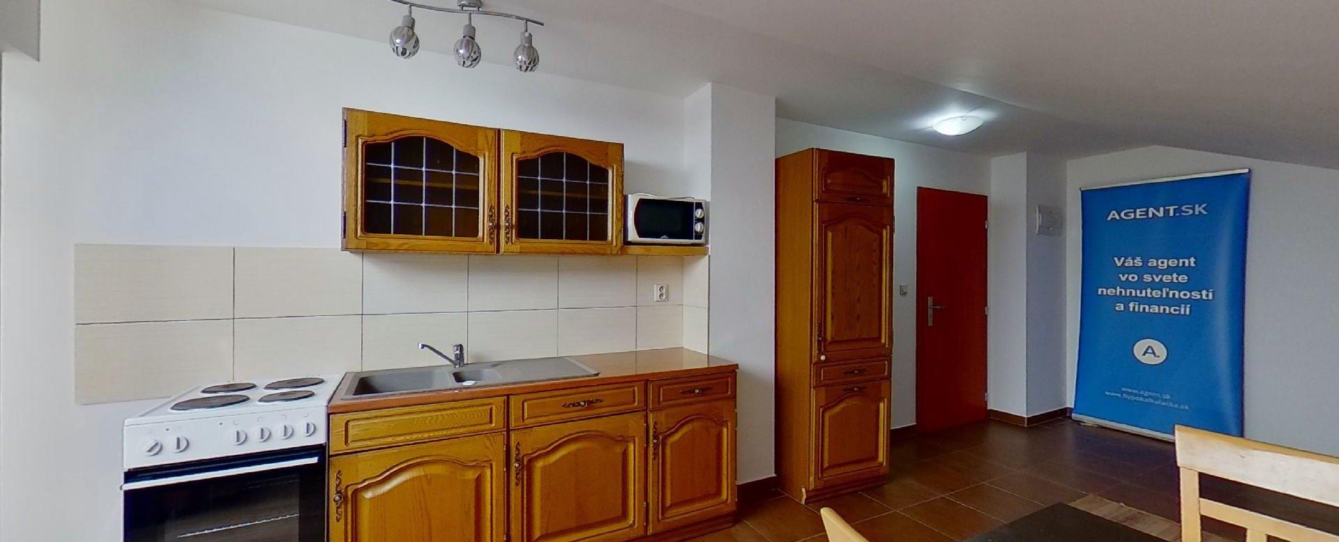 kuchynský kút v obývacej izbe