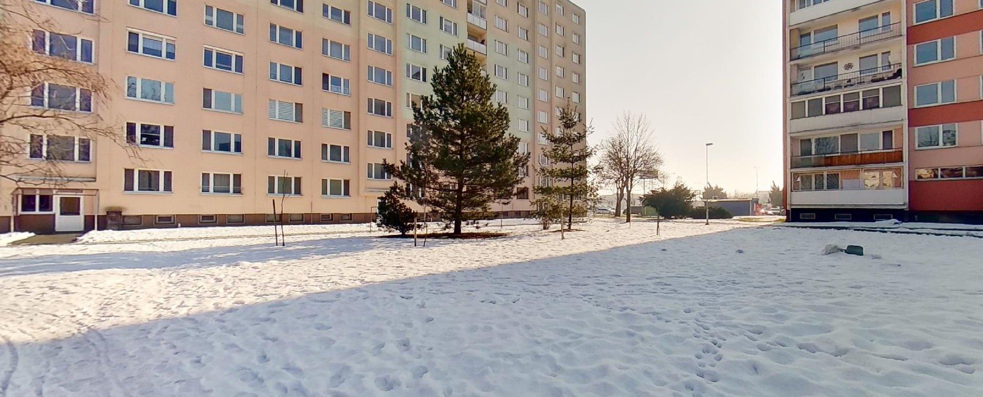 Pohľad na bytový dom
