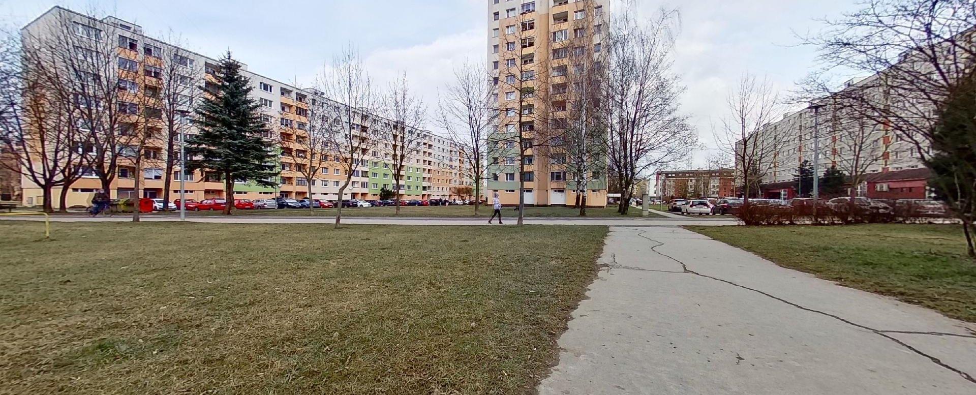 Okolie bytového domu