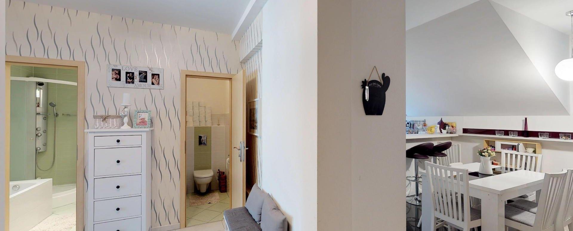 Predsieň v 3-izbovom byte v Kysuckom Lieskovci