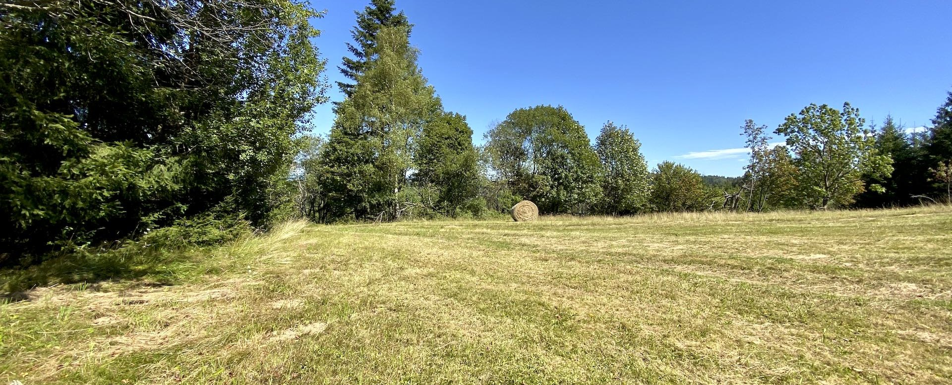 Pozemok s chalupou v obci Zákopčie