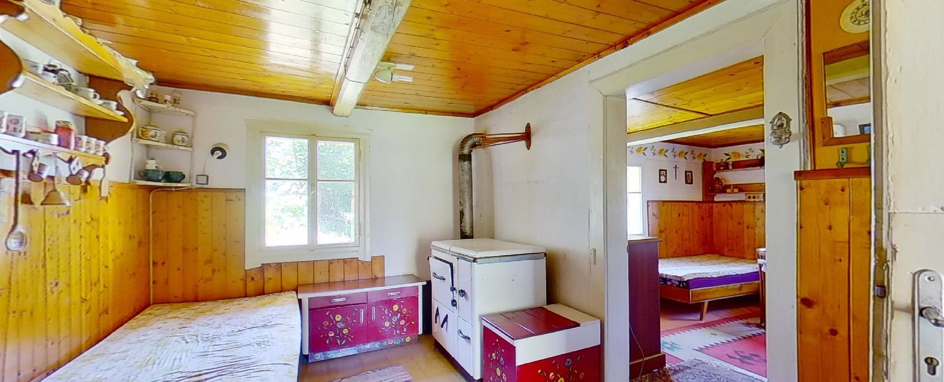 Kachľová pec v kuchyni