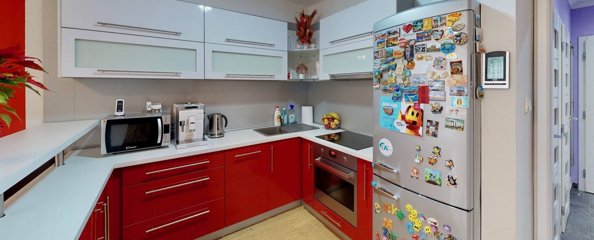 Kuchyňa s obývacou izbou 3-izbového bytu v Rezidencii Martinkov Potok
