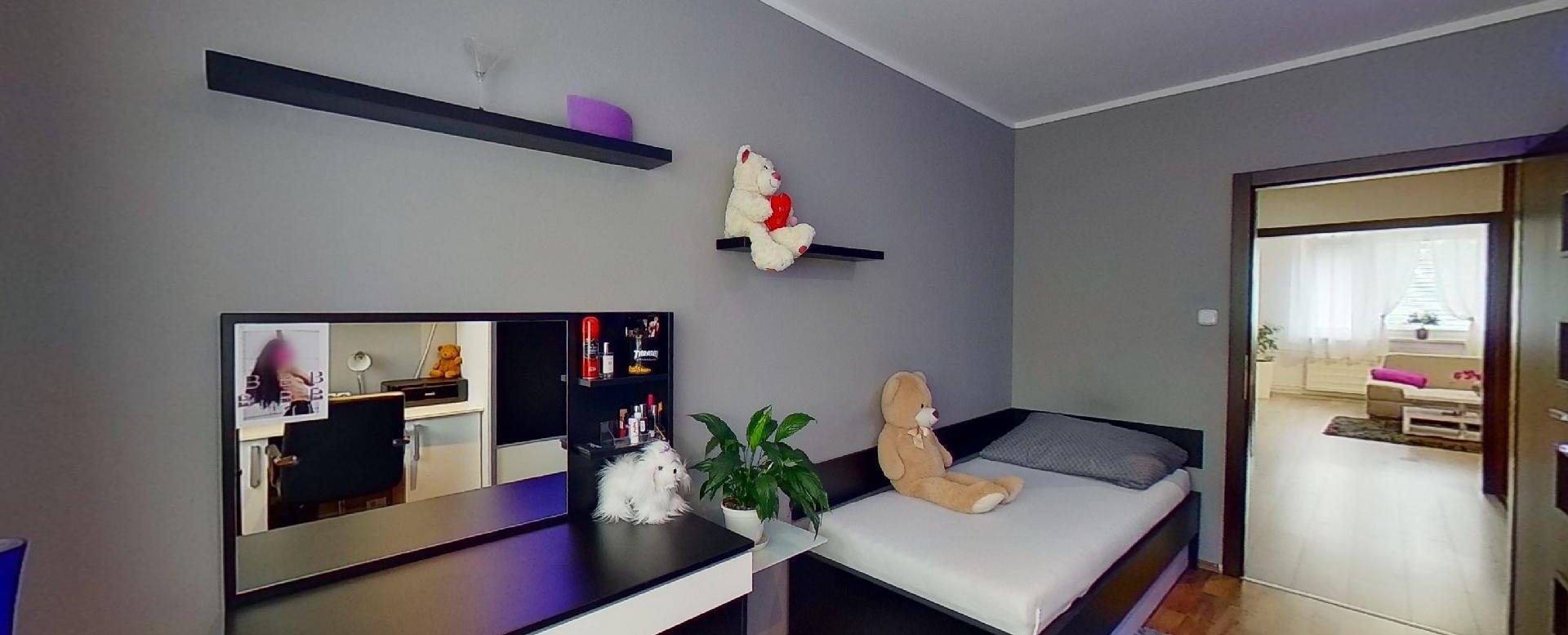 postel v detskej izbe