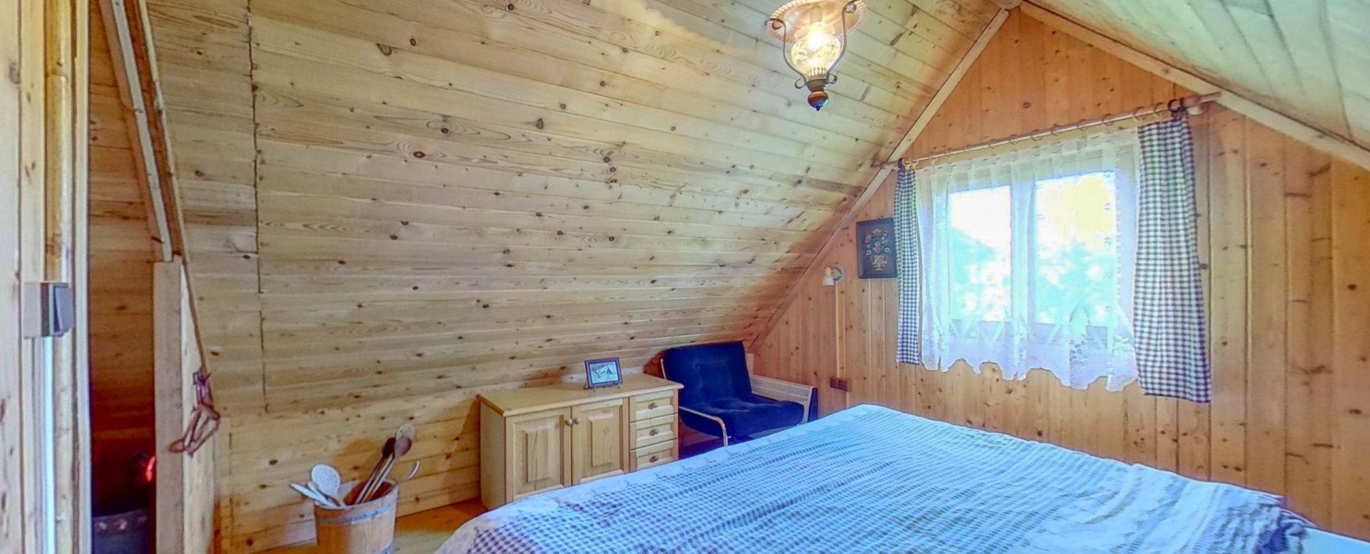manželská posteľ v podkrový