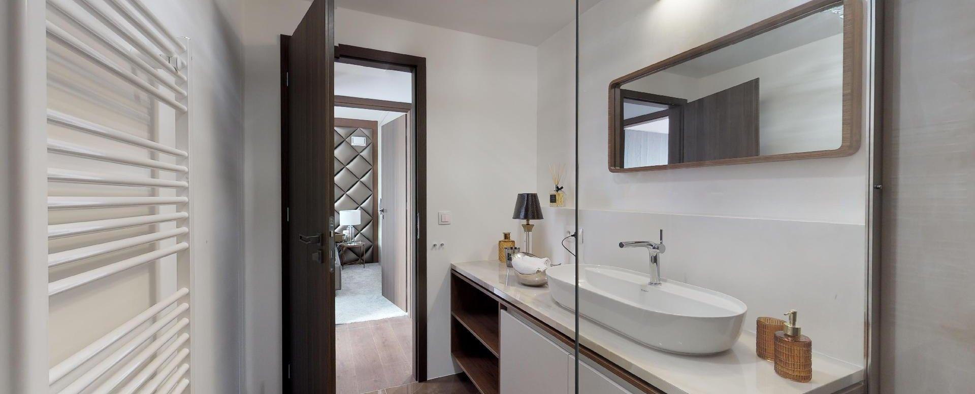 moderný kúpeľňový nábytok