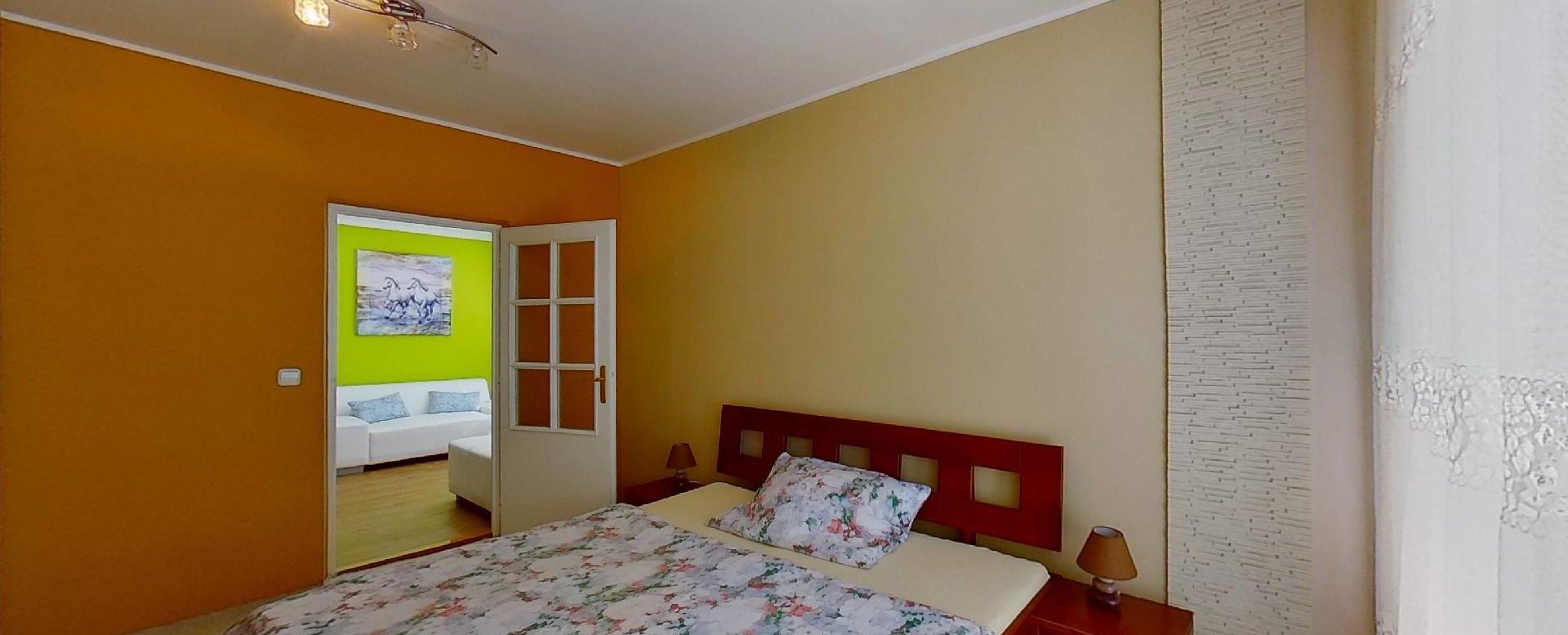 Manželská posteľ v 2-izbovom byte na Jašíkovej v Čadci