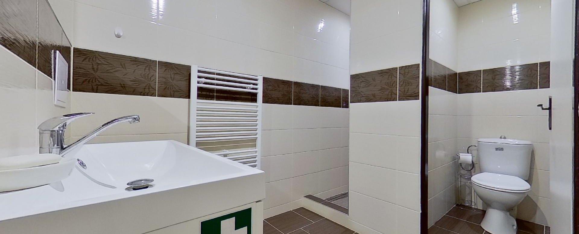 kúpeľna a toaleta