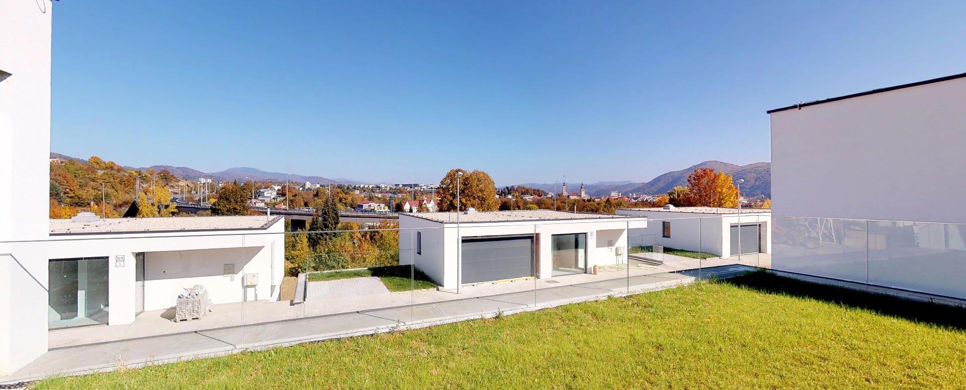 Výhľad z novostavby rodinného domu na Belvederi v Banskej Bystrici