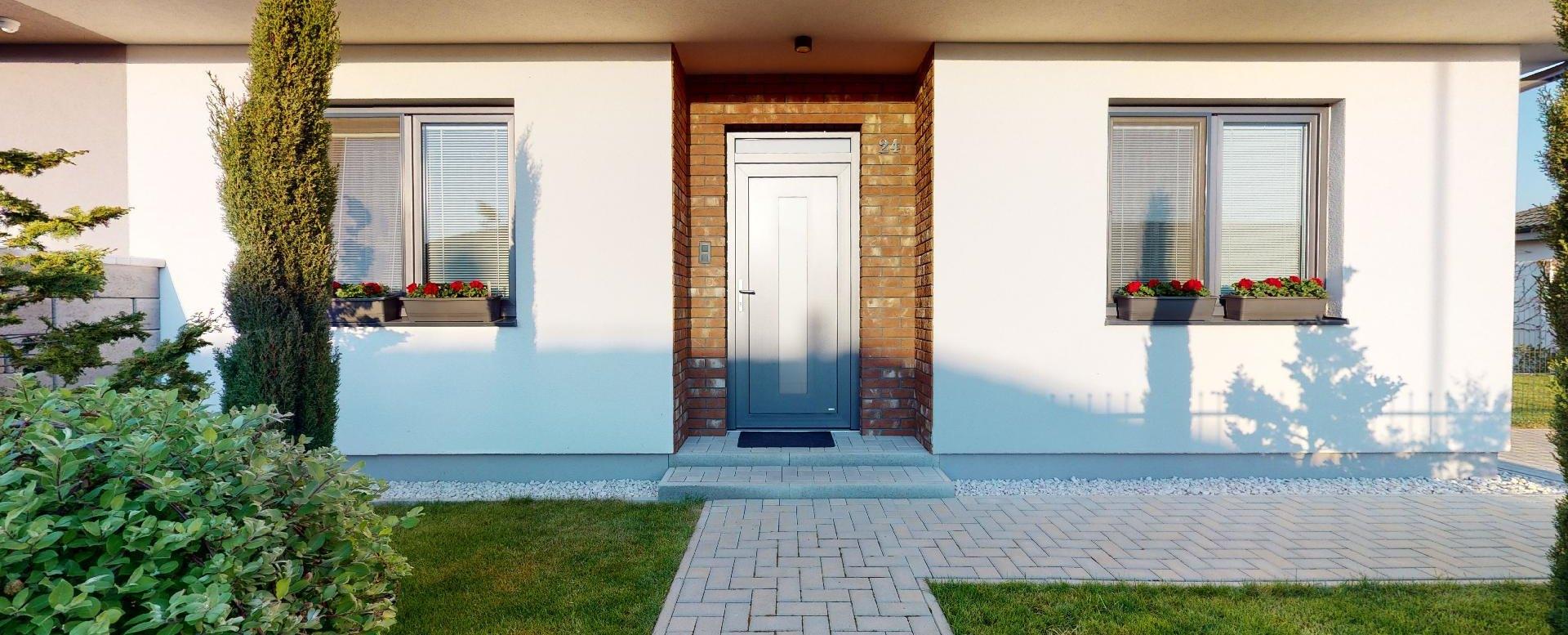 Pohľad na vstup do rodinného domu