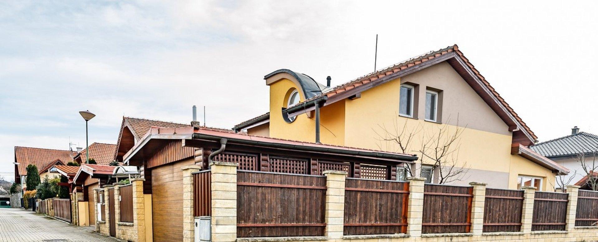 pohľad na rodinný dom v obci rosina pri žiline