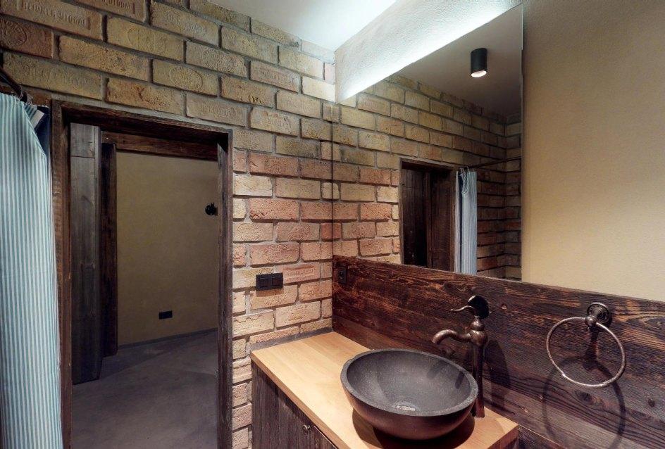 Pohľad z kúpeľne v byte na Dieňovej ulici