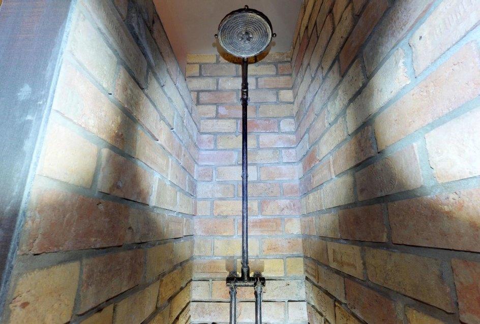 Sprchovací kút v byte na Dieňovej ulici