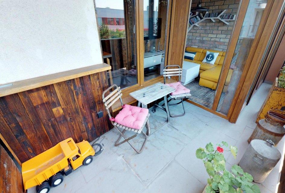 Podlaha na balkóne v byte na Dieňovej ulici