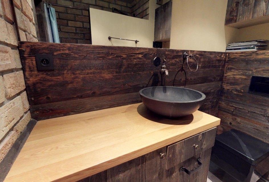 Kúpeľňa s toaletou v byte na Dieňovej ulici