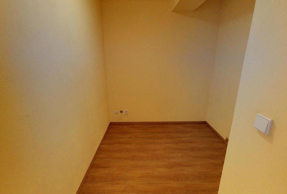 Šatník v 2-izbovom byte na Budatínskej uliciv Petržalke