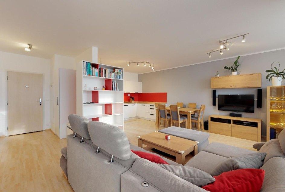 Obývacia izba 2-izbového bytu v Devínskom Dvore