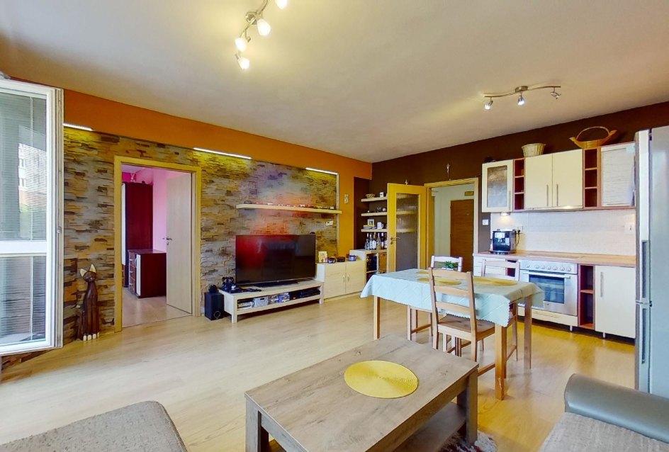 Obývacia izba 2-izbového byt na ulici Jána Kollára v Čadci
