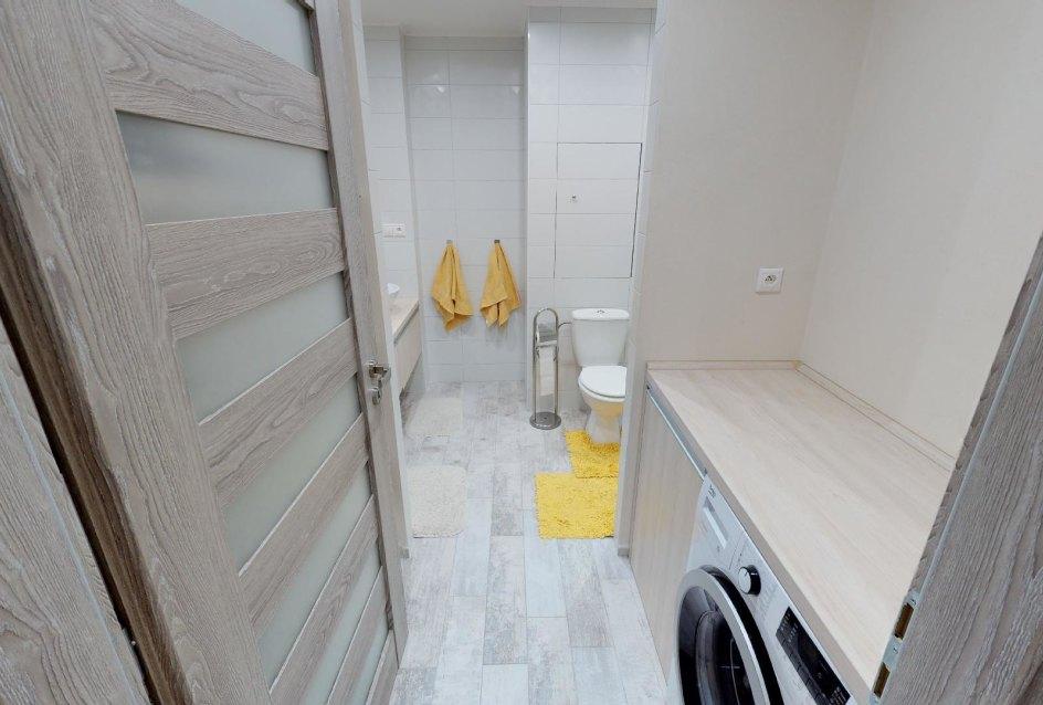Pohľad do kúpeľne v 2-izbovom byte na bulvári v Žiline