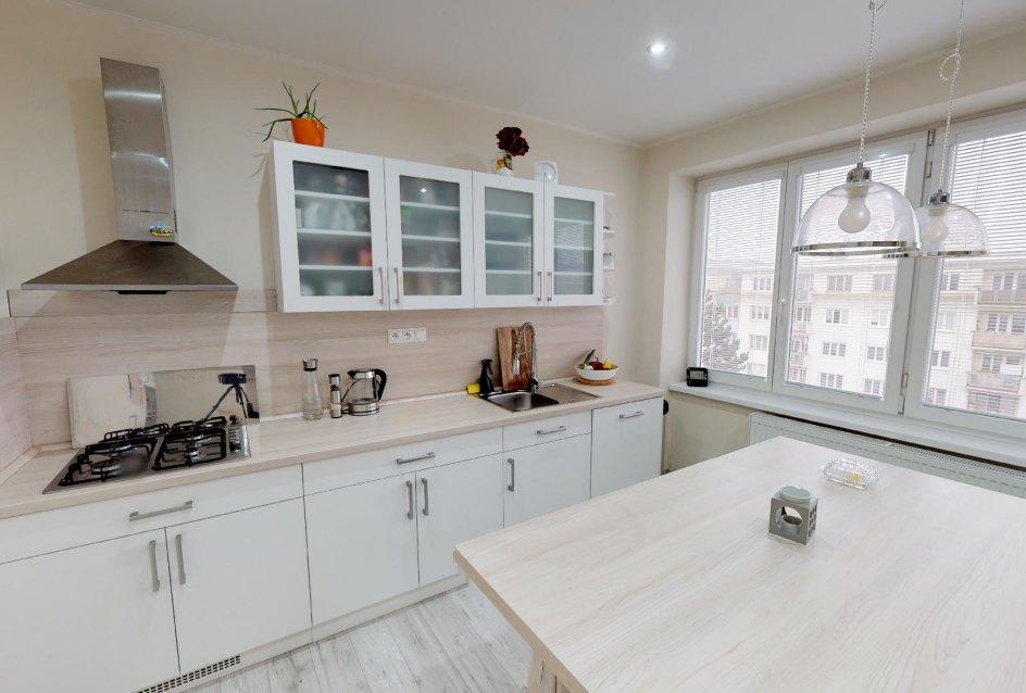 Moderná kuchyňa v 2-izbovom byte na bulvári v Žiline