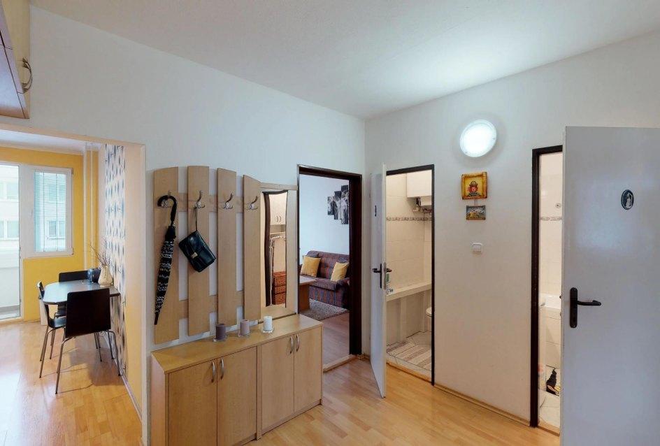 Predsieň 3-izbového bytu na Okružnej v Čadci