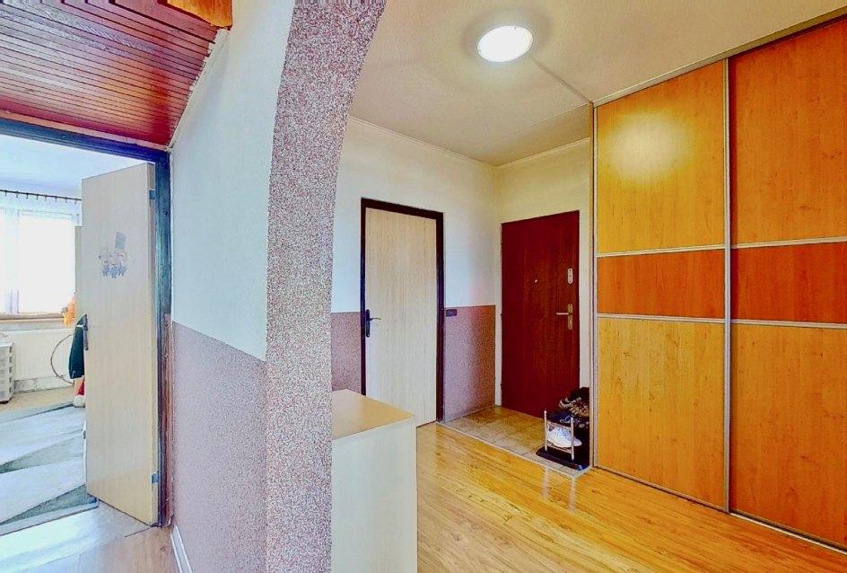 Vstup do bytu a vchodové dvere