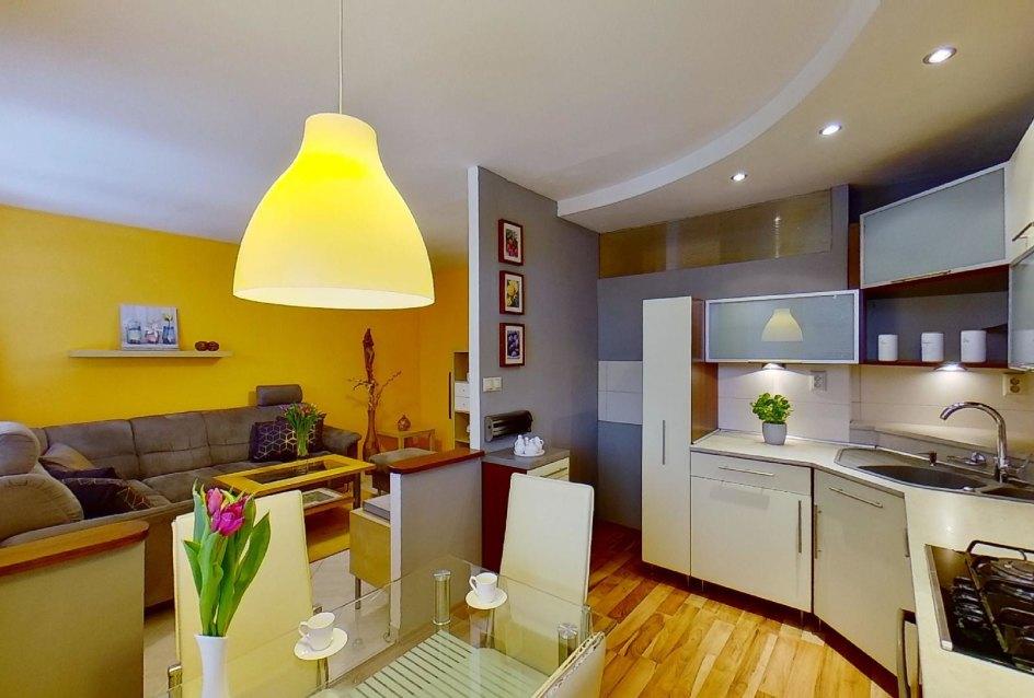 Kuchyňa s kuchynskými spotrebičmi