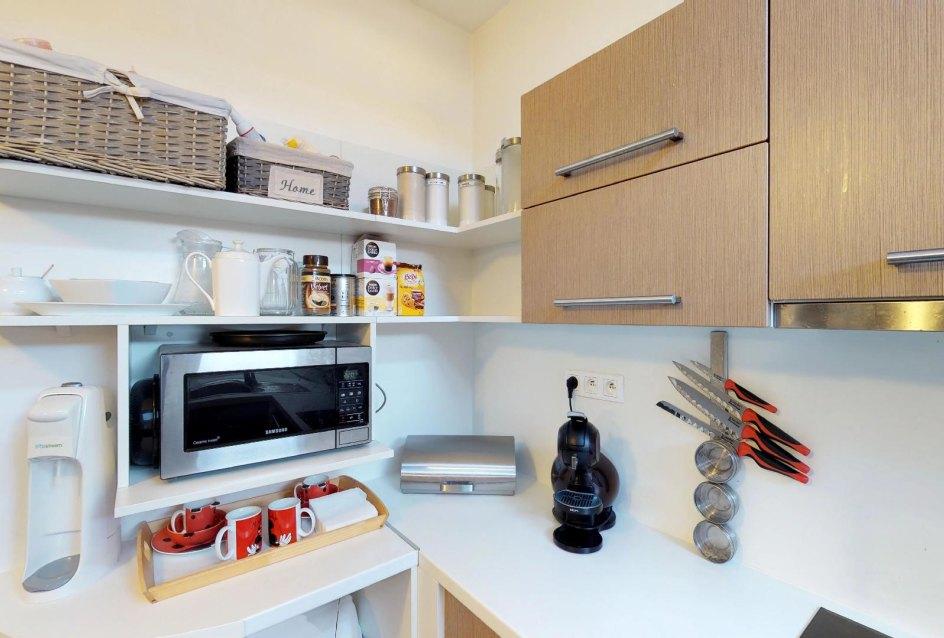 Kuchynská linka Zariadená obývacia izba v 3-izbovom byte v Kysuckom Lieskovci