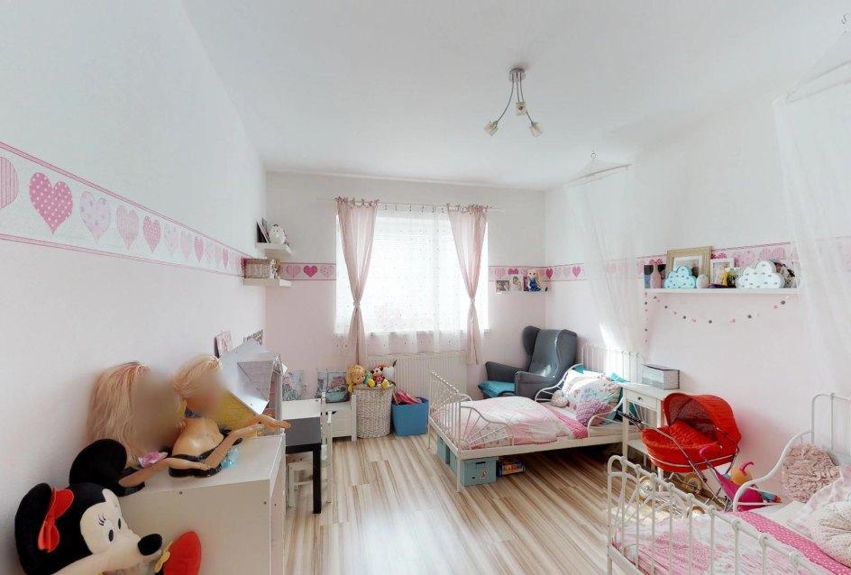 Detská izba Zariadená obývacia izba v 3-izbovom byte v Kysuckom Lieskovci