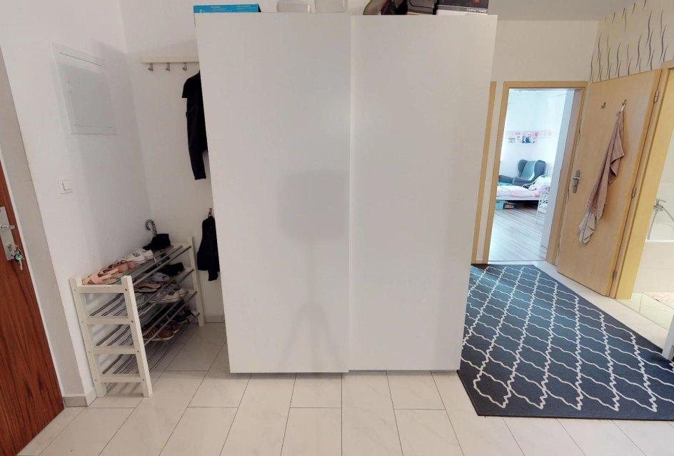 Predsieň Zariadená obývacia izba v 3-izbovom byte v Kysuckom Lieskovci