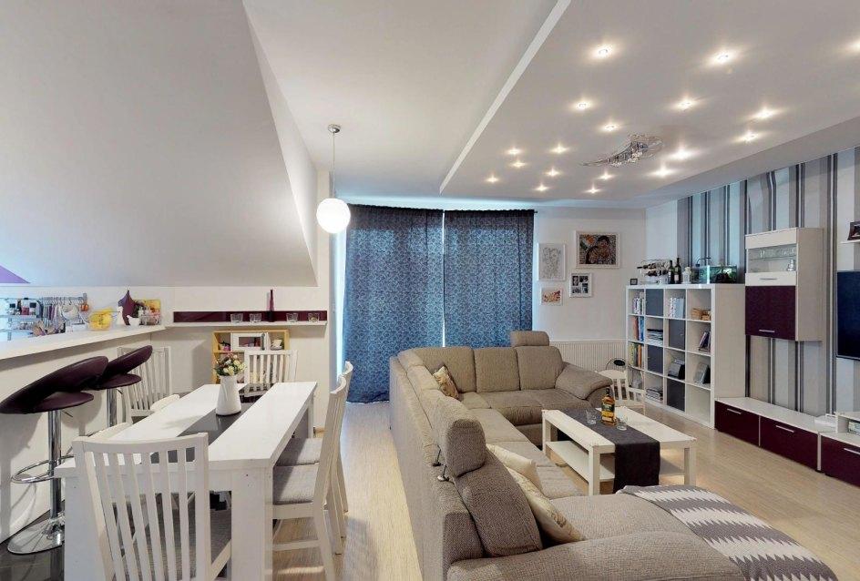 Obývacia izba s kuchyňou v 3-izbovom byte v Kysuckom Lieskovci