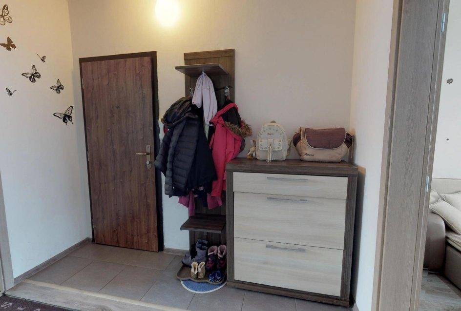 Predsieň 3-izbového bytu v Čadci