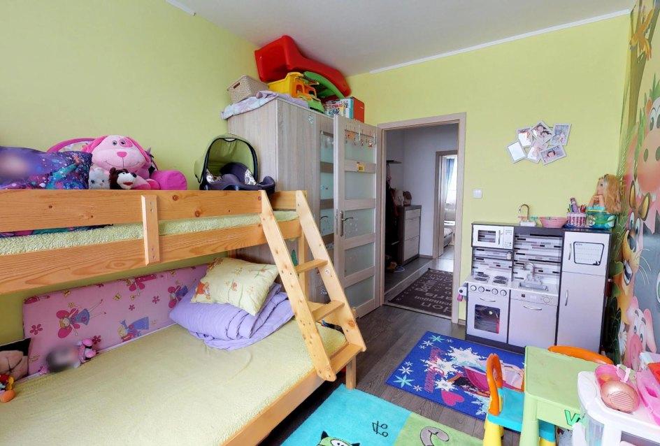 Destká izba 3-izbového bytu v Čadci