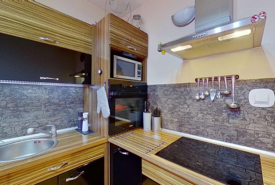 Kuchynská linka pohľad 2