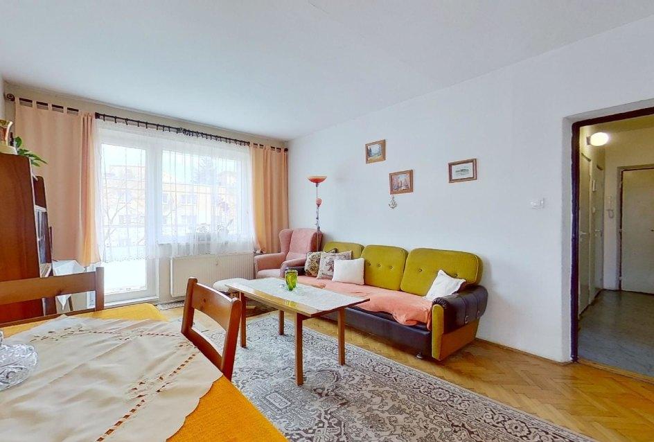 obývacia izba s balkónom