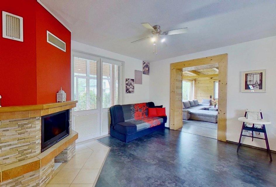 pohľad na vstup do obývačky